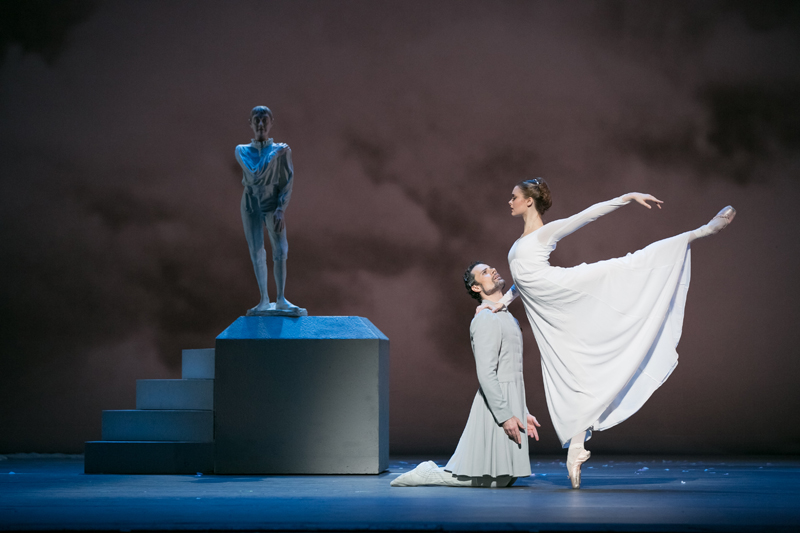 Piotr Stanczyk and Hannah Fischer in The Winter's Tale