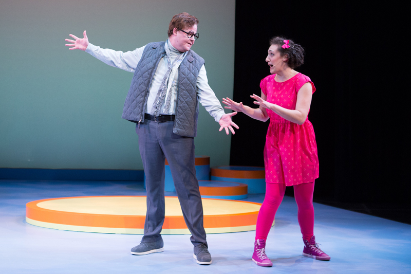 Elephant & Piggie's We Are in a Play! Joe Mallon as Elephant Gerald and Shayna Blass as Piggie