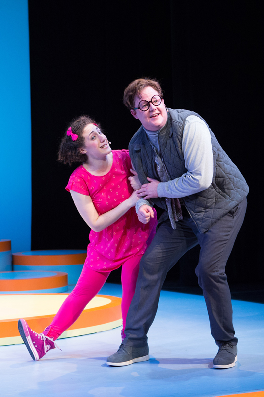 Elephant & Piggie's We Are in a Play! Shayna Blass as Piggie and Joe Mallon as Elephant Gerald