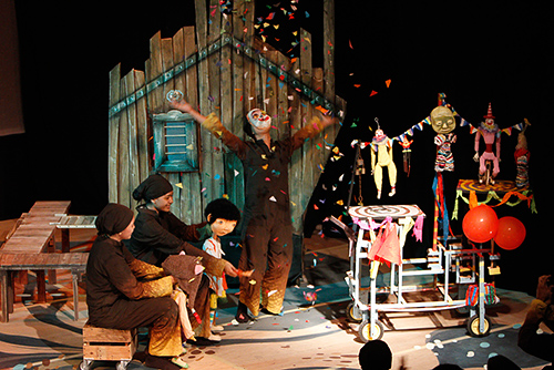 Papermoon Puppet Theatre