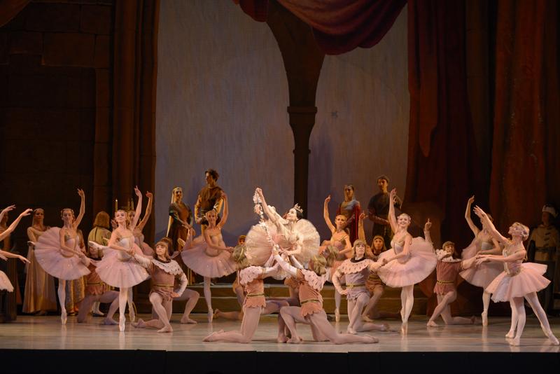 The Mariinsky Ballet: Petipa's Raymonda