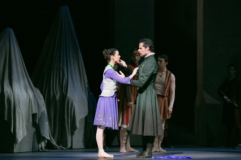 Jillian Vanstone and Piotr Stanczyk with Artists of the Ballet in The Winter's Tale